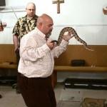 snake-salvation-jamie-coots-dies-bite-national-geographic