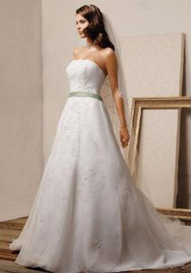 under-300-dollar-brilliant-wedding-dress