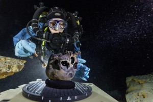 divers-discover-original-American-skull1
