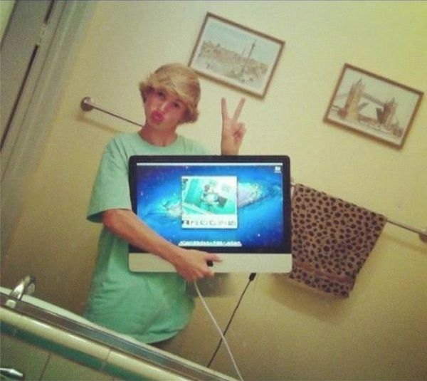 laptop-selfie-5