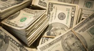 man-hiding-cash-in-san-fran