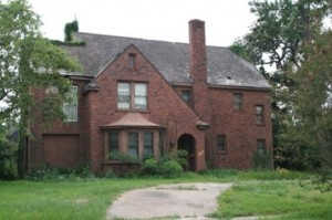 detroit-auction-homes-riverside_terrace_abandoned_mansion_565