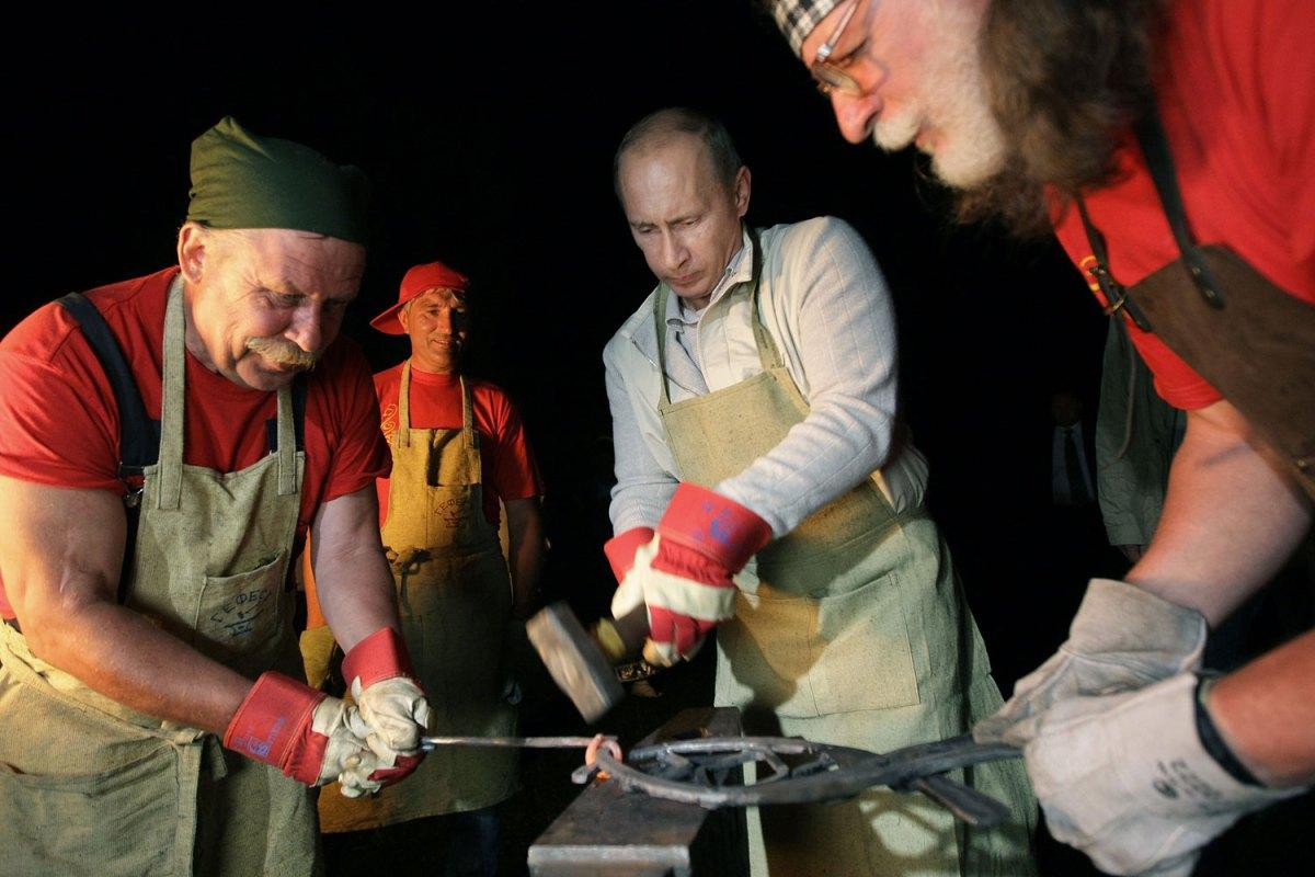 the-russian-president-Vladimir-Putin-ladies-man10