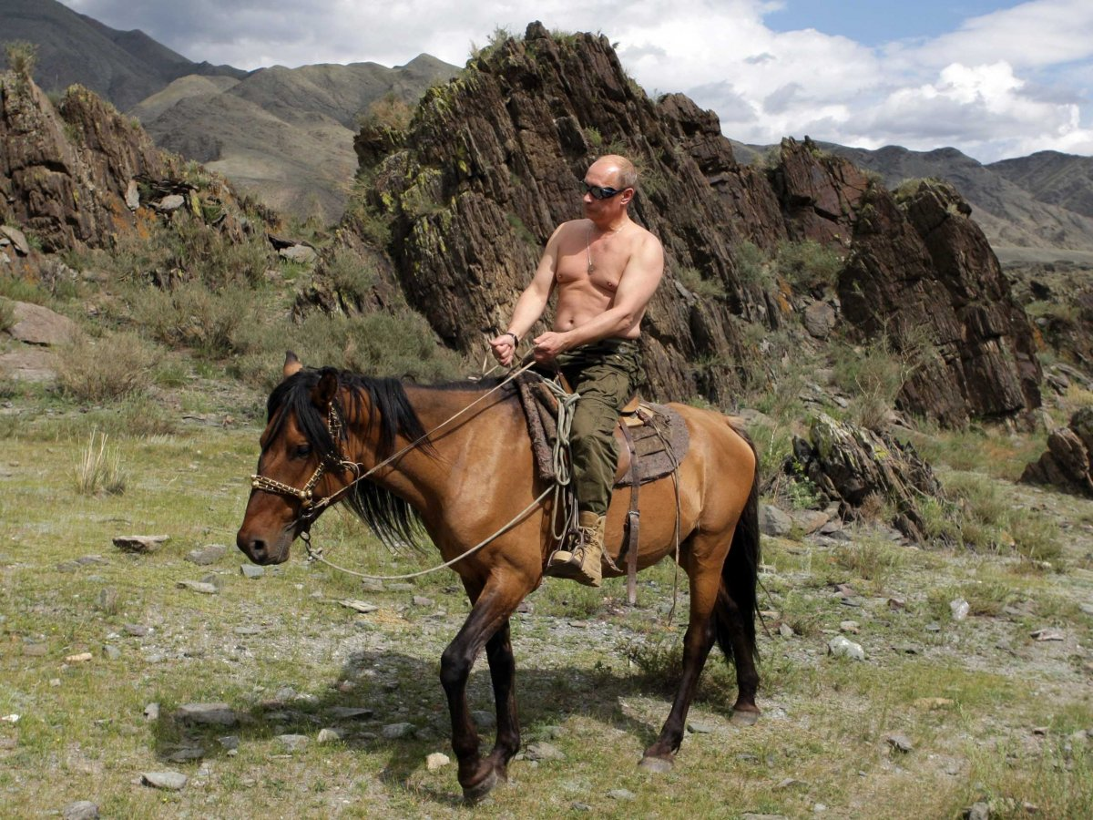 the-russian-president-Vladimir-Putin-ladies-man3