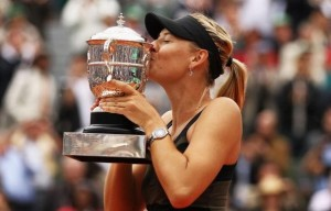 maria-sharapova-wins-second-french-open2