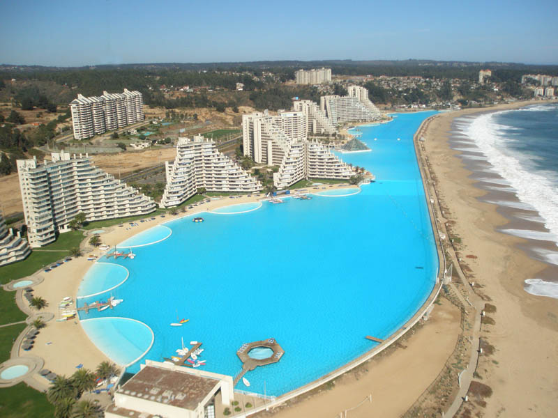 Worlds-Biggest-Swimming-Pool10