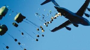 US-dropping-humanitarian-aid-in-iraq
