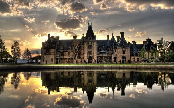 10-most-majestic-castles-in-america2