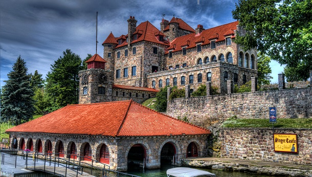 10-most-majestic-castles-in-america3