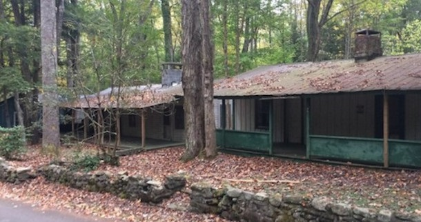 Hiker Discovers Abandoned Village in Tennessee's Woods
