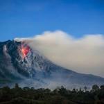 lightning in a volcano cloud8