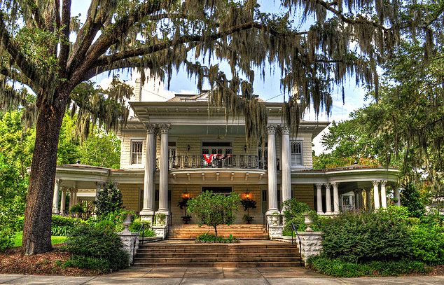 Top 5 Neighborhoods Of Savannah Getting National Attention